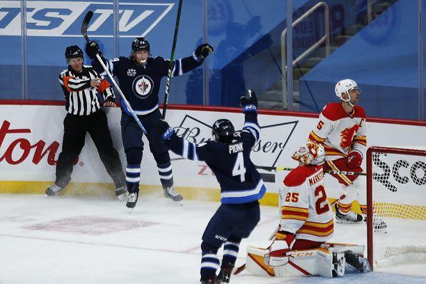 Patrik Laine iski kauden avauspelissä Calgarya vastaan hurjat teholukemat 2+1.