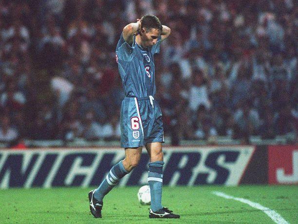 Gareth Southgaten epäonnistuminen EM-välierässä 26. kesäkuuta 1996 maksoi Englannille finaalipaikan.