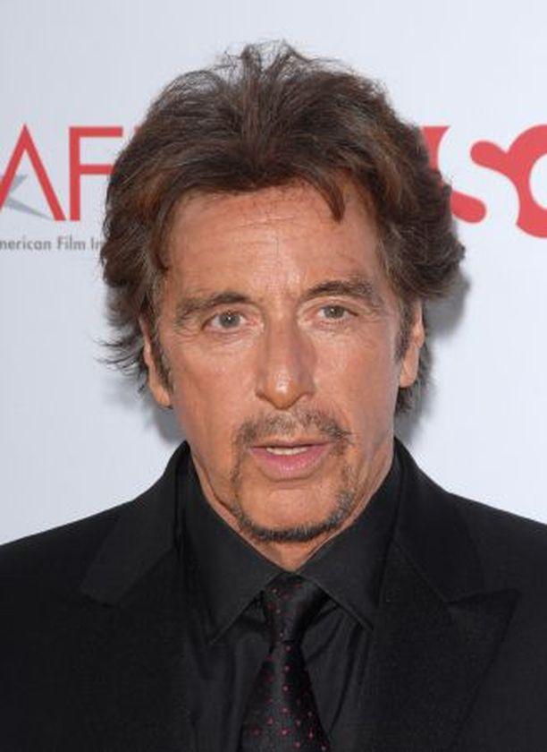 Al Pacino(ylhäällä), 67, ja Robert De Niro, 64, näyttelevät yhteisessä elokuvassaan newyorkilaisia poliiseja.