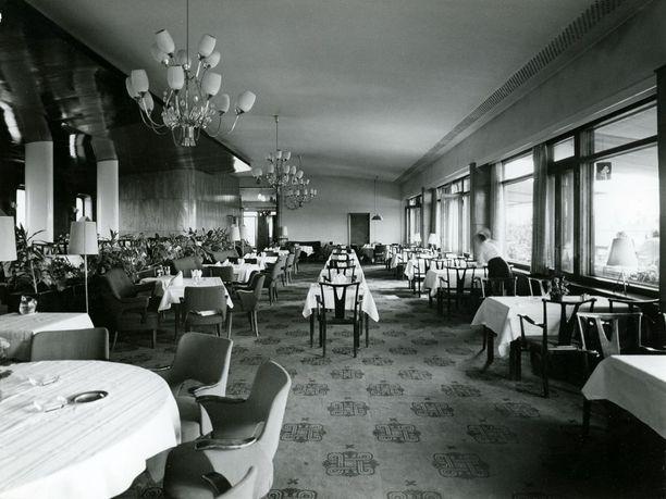Vaakunan ravintolasali 1950-luvulla.