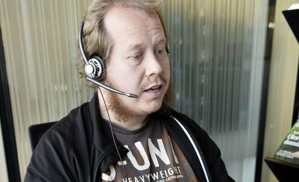 Kansanedustajat Mikko Savola ja Reijo Hongisto ovat jättäneet hallitukselle kirjallisen kysymyksen puhelinmarkkinoinnista. Kuvituskuva