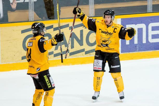 Ville Koho (oik.) teki viime kaudella 46 ottelussa hyvät pisteet 8+15=23.