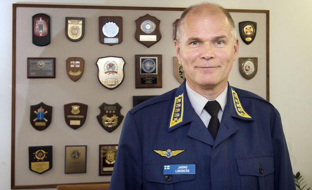 Jarmo Lindberg ei hakenut uudelleen Puolustusvoimain komentajan tehtävään.
