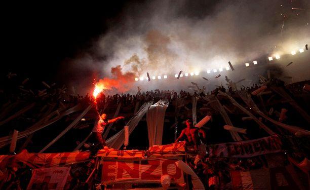 River Platen ja Boca Juniorsin välinen Superclásico keräsi kyseenlaista julkisuutta.