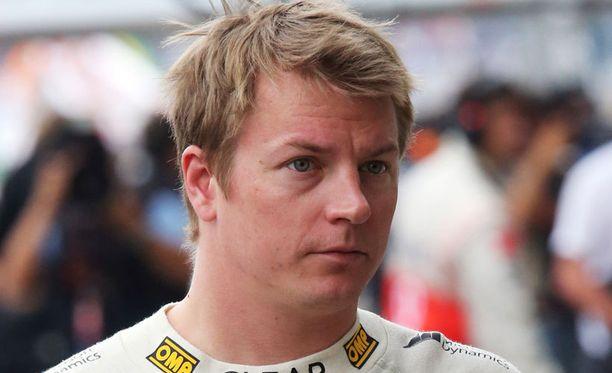 Kimi Räikkönen ajaa ensi kaudellakin Lotuksella.