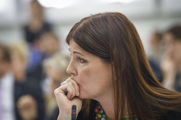 Kansanedustaja Sari Sarkomaa (kok) on käyttänyt kokoomuksen naiskansanedustajista eniten puheenvuoroja.