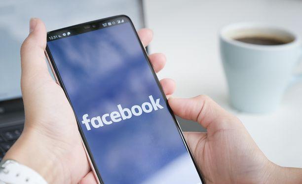 Facebookissa liikkuu huijausviesti.