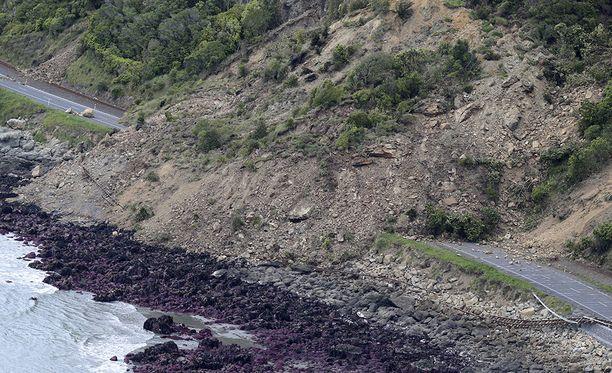 Useita teitä on poikki Uuden-Seelannin eteläsaarella.