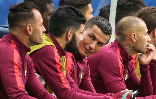 Real Madrid -pressan Florentino Pérezin mukaan koko seurasiirtokohu on jonkun Ronaldon joukkuetoverin levittämä huhu.
