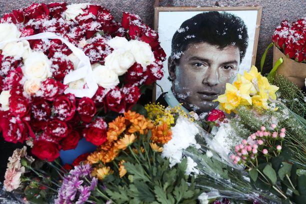 Vuonna 2015 salamurhattu Boris Nemtsov oli yksi Venäjän presidentti Vladimir Putinin näkyvimmistä kriitikoista.