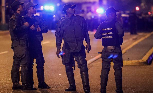 Venezuela etsii helikopterihyökkääjää.
