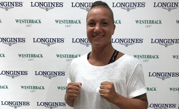 Euroopan mestari Elina Gustafsson osallistui Westerback Pride -tapahtumaan Helsingissä torstaina.