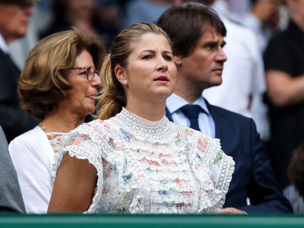 Mirka Federer elää joka solullaan tennisottelun tapahtumia.
