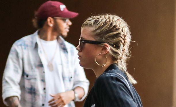 Sofia Richie on 18-vuotias, Lewis Hamilton 33 vuotta.