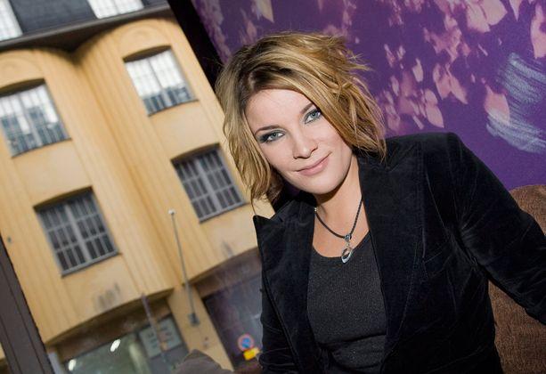 Vuonna 2008 laulajan tyyli muuttui. Hiukset lyhenivät ja vaihtoivat väriä.