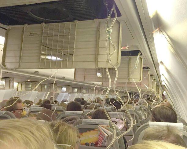 Matkustajat pelästyivät pahanpäiväisesti Jet Time -yhtiön lennolla, kun koneen ilmanpaineistus meni rikki.