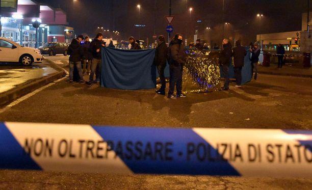 Perjantaina Milanossa Italian poliisi ampui Berliinin rekkaiskusta epäillyn miehen, kun mies ampui kohti poliiseja.