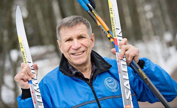 Poliisin työstä eläkkeelle 1990-luvulla jäänyt Pauli Siitonen, 78, on yhä innokas kuntoilija.