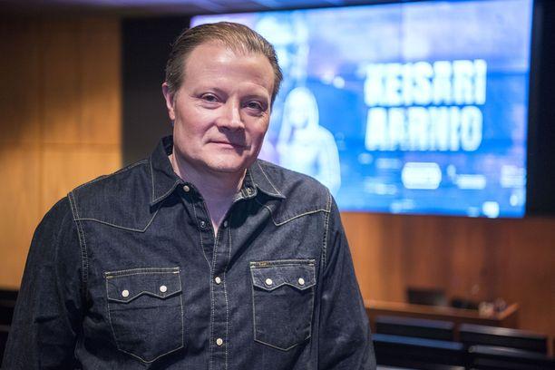 Tänä vuonna Kari Hietalahti on nähty Keisari Aarnio -sarjassa Jari Aarniona.