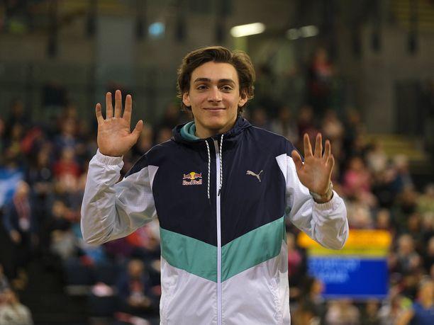 Armand Duplantis, 20, on yleisurheilumaailman ykkösnimi tällä hetkellä.