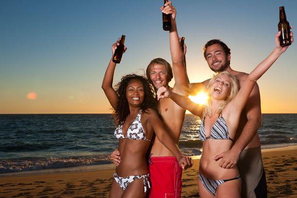 Perhebarometrin mukaan monet nuoret panostavat mieluummin matkusteluun kuin lasten hankintaan.