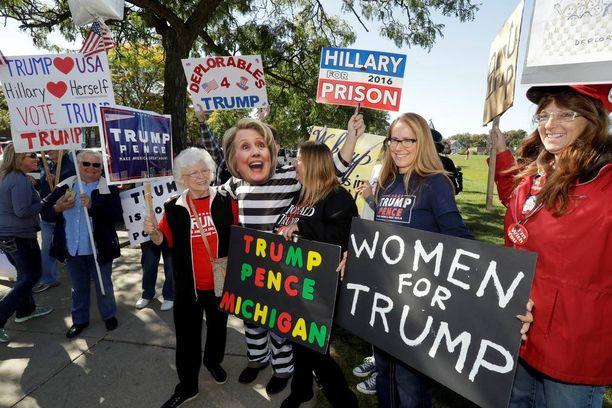 Naisäänestäjien mielipide Trumpista ei ole muuttunut viime viikon tapahtumien jälkeen. Clintonin johto on Reutersin mukaan 44-22.
