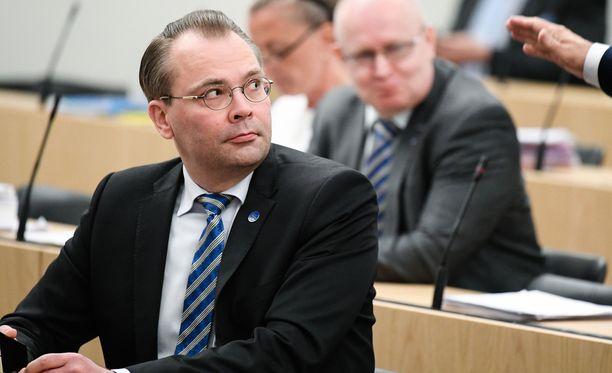 Puolustusministeri Jussi Niinistön asettaman työryhmän raportti vapaaehtoisesta maanpuolustuksesta julkaistiin perjantaina.