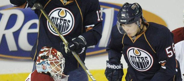 Teemu Hartikainen (oik.) on nuorin suomalainen NHL:ssä.