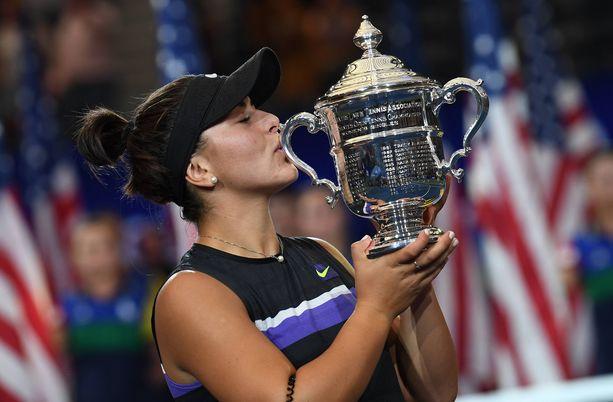 Vasta 19-vuotias Bianca Andreescu on ensimmäinen teini-ikäinen naisten Grand Slam -turnauksen voittaja sitten Maria Sharapovan Wimbledon-voiton vuonna 2004.