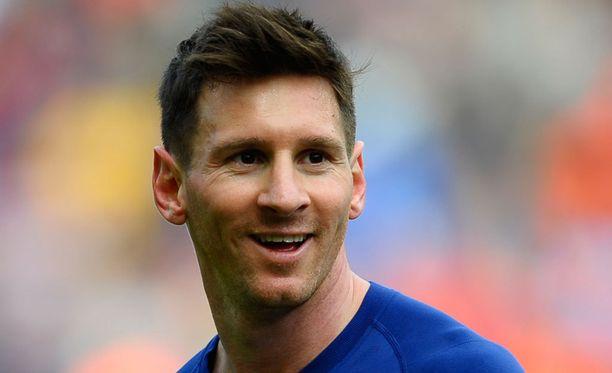 Leo Messi tienasi viime vuonna yli 10 miljoonaa euroa enemmän kuin Cristiano Ronaldo.