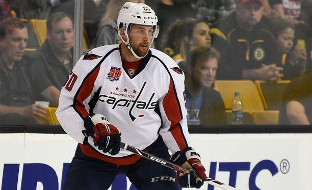 Dane Byersilla on NHL-kokemusta mutta ei Washington Capitalsin paidassa. Tämä kuva on vuoden takaisesta harjoitusottelusta.