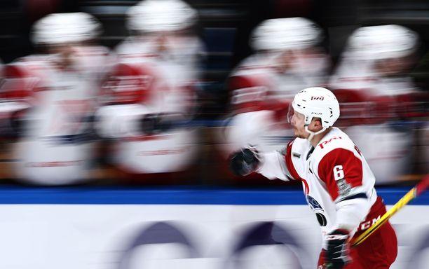 Teemu Pulkkinen nakutti pudotuspeleissä tehopisteet 7+2.