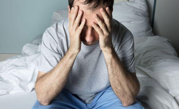 Jos sinua huimaa hyvin usein makuulta pystyasentoon noustessa, on syytä hakeutua lääkärin vastaanotolle.