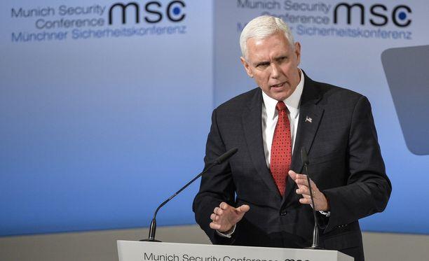 Yhdysvaltain varapresidentti Mike Pence toppuuteli Nato-puheita Münchenin turvallisuuskonferenssissa.