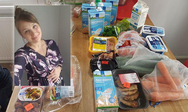 Mattilan perhe ostaa kaupasta ruokatarvikkeita pitkäksi aikaa kerrallaan.
