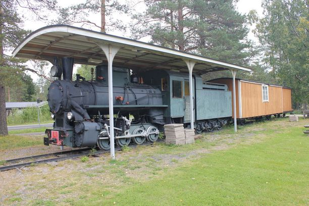 Virosta hankittu veturi kunnioittaa vanhaa Metsärataa.