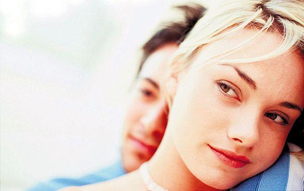 Puoliso kaipaa läheisyyttä myös ilman seksivaatimusta.