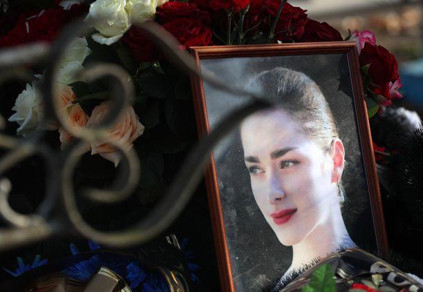 24-vuotias Anastasia Jeshenko kiinnostui Napoleonista päästyään Sokolovin luennoille. Opettaja murhasi hänet.