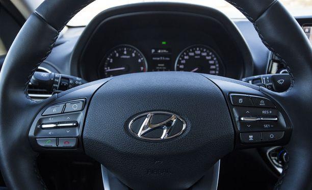 Mukautuva vakionopeudensäädin kuuluu automaattivaihteiseen Style-varusteltuun autoon.