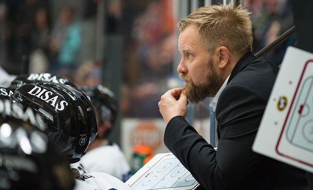 Ensimmäistä kauttaan Liigassa päävalmentajana toimivan Mikko Mannerin luotsaama Kärpät oli syyskauden suurin yllättäjä.