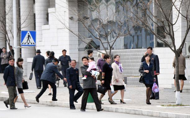Katunäkymä Pohjois-Korean pääkaupungista Pjongjangista hotelli Koryon ympäristössä.