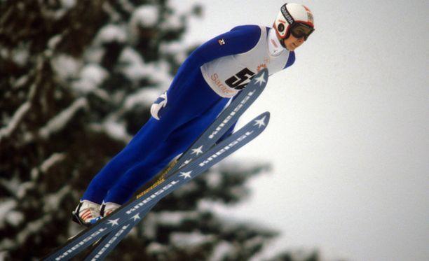 Matti Nykänen menestyi Sarajevon olympiakisoissa, vaikka mies poti kisojen aikana rajua vatsatautia.
