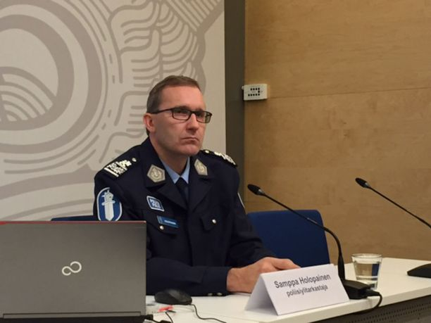Poliisihallituksen poliisiylitarkastaja Samppa Holopainen.