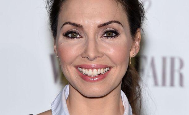 Whitney Cummings huomasi, että lihomisen myötä kasvotkin saivat tervetullutta täytettä.