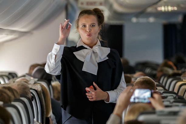 Matkustajat saivat nähdä, millaisia turvallisuusohjeet ennen olivat.