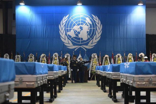Pohjois-Korea toimitti Yhdysvalloille 55 arkkua, joiden uskotaan sisältävän kaatuneiden amerikkalaissotilaiden jäänteitä. Lippu kuuluu USA:n johtamalle United Nations Command -asevoimille.