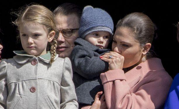 Estelle, Daniel, Oscar ja Victoria edustivat yhdessä Kuningas Kaarle Kustaan syntymäpäivillä.