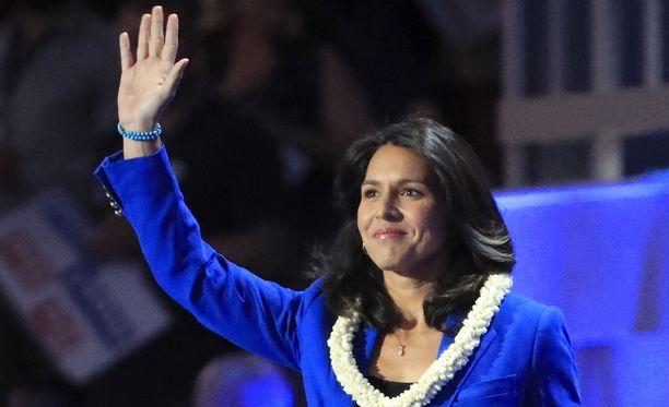 Yhdysvalloissa 37-vuotias demokraattipuolueen kongressiedustaja Tulsi Gabbard tavoittelee presidentin virkaa vuoden 2020 vaaleissa. Kuvassa Gabbard vuonna 2016.
