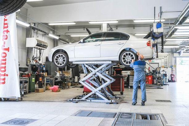 Rinta-Joupin Autoliikkeen Porin BMW-merkkihuollossa on paljon pitkän linjan uskollisia asiakkaita.