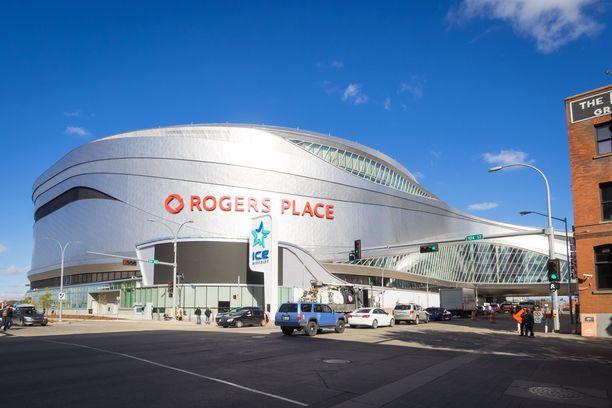 Joey Moss oli Rogers Placen, Edmonton Oilersin kotiluolan, valo.